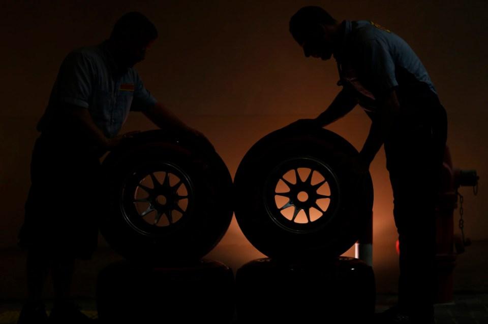 Pirelli_mechanics