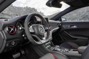 Nuova_CLA_45_AMG_Shooting_Brake_Mercedes-Benz_(2)