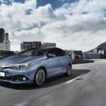 toyota-new-auris-more-style-and-new-engines-auris_loc_02_dpl_2015_3-4_front