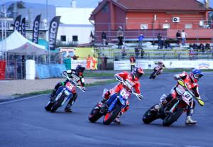 SBK vs MotoGP Iddon 21-Dovizioso 4-Biaggi 3 _com