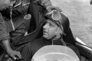 02-Juan-Manuel-Fangio_-Ferrari-1956