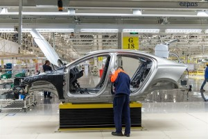 143520_Production_of_the_Volvo_S60L