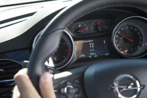 Opel-Lane-Keep-Assist-297175