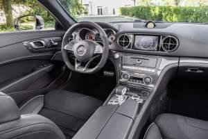 Mercedes-AMG SL 63, Polsterung: Leder schwarz, Zierteile: AMG Carbon