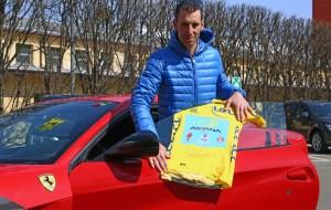 160197-car-Ferrari-f12tdf-Vincenzo-Nibali