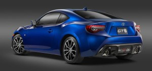 MY17_Toyota_GT86_2__mid
