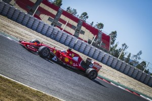 pirelli_test17_ferrari_3689_ps