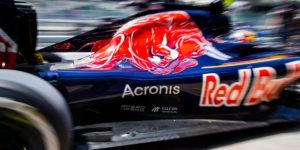 2016-formula1-malaysian-gp-free-practice-sainz-cov1