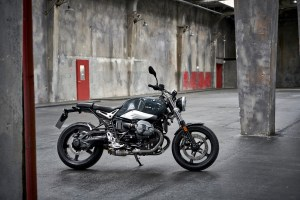 P90232702_highRes_the-new-bmw-r-ninet-
