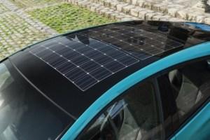 500_2017-prius-phv-aqua-solar-roof-detail-01