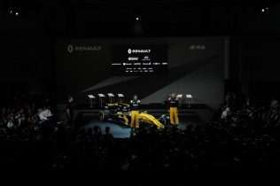 Renault_87388_global_fr