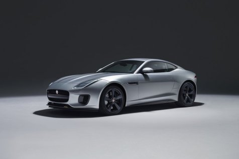 13_jaguar_f-type_18my_400s_051216_0900_gmt_studio_exterior_01