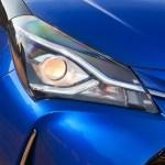 2017-toyota-yaris-hybrid-blue-detailext-04