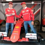 Visita de Kimi Raikkonen a Ferrari Land 5