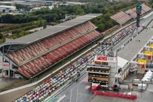 media-SEAT Guinnes World Record - Oltre 600 SEAT 600 in fila (1)