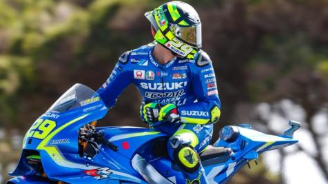 29-andrea-iannone-ita_29i8821.gallery_full_top_fullscreen.middle