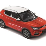 SsangYong Tivoli21_2-tone red(L)