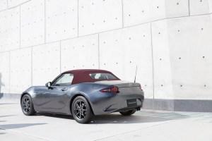 03_Mazda_Roadster_RedTop_JP_2017_cherryredroof_RQ