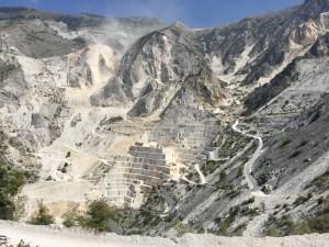 Cave Carrara a cielo aperto