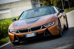 P90322306_highRes_the-new-bmw-i8-roads