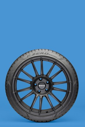 Pirelli_Pzero Winter_08 Blu