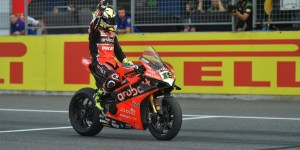 alvaro-bautista-on-the-finish-line(1)