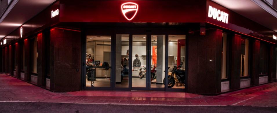 Ducati Roma_01_UC73552_High