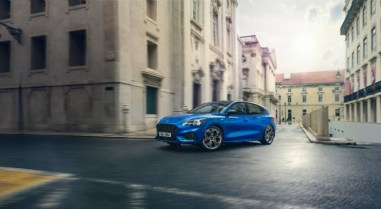 FORD_2018_FOCUS_ST-LINE__01