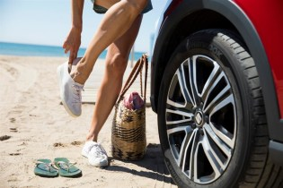 media-Tips-for-carefree-driving-this-summer_003_HQ
