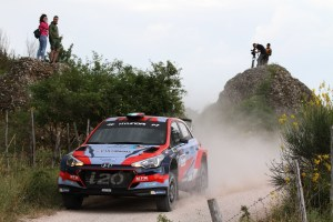 Hyundai_i20_R5_Rally_Team_Italia_3