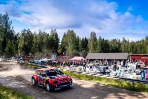 La Citroe¦ên C3 WRC dell'equipaggio finlandese conquista il secondo posto al Rally di Finlandia (6)