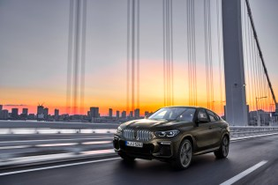 P90356689_highRes_the-new-bmw-x6-drivi(1)