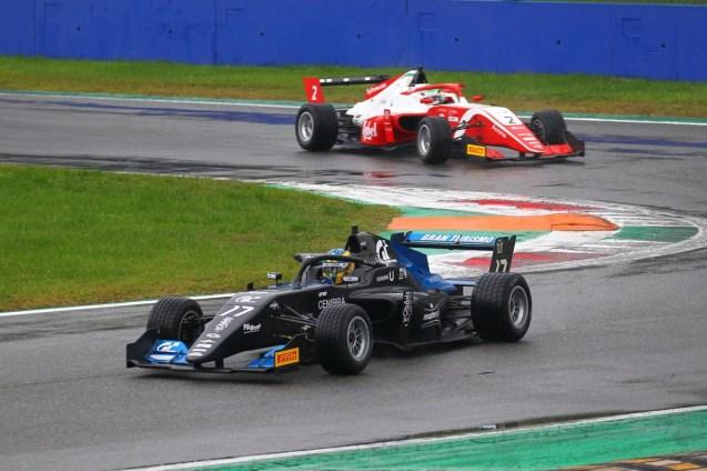 Igor Fraga (DR Formula,F3 Tatuus 318 A.R. #17)