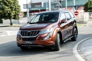 XUV500_action_4055-69