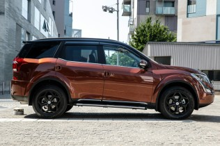 XUV500_action_5756-206