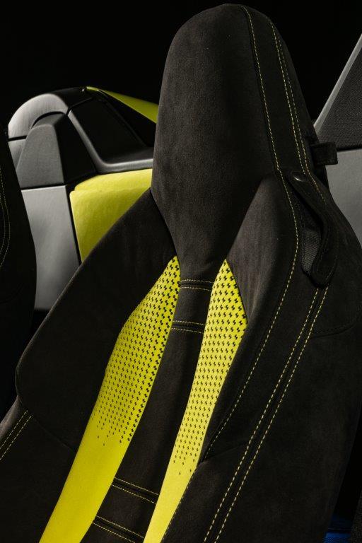 Alcantara e BMW i8 Roadster LimeLight Edition (3)