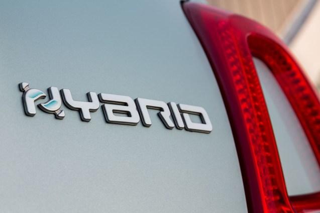 200108_Fiat-500-Hybrid_08