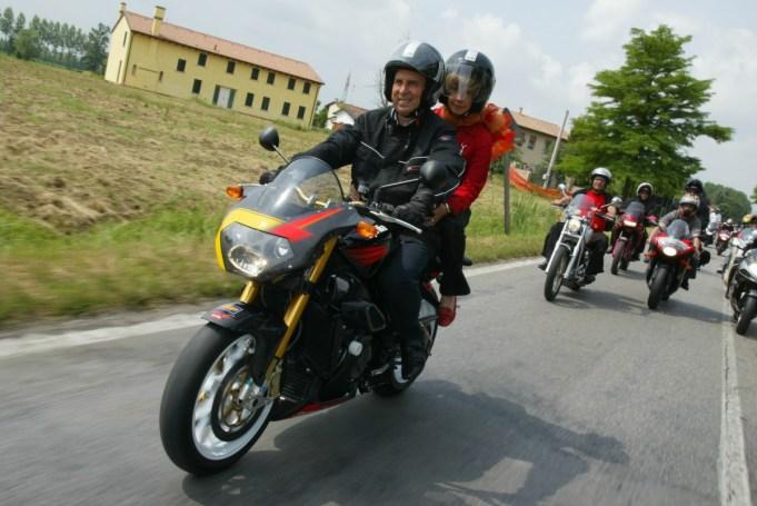IBeggio moto con moglie