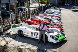 Hans Mezger in front of 917 legends.