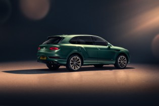 new-bentayga-alpine-green-7