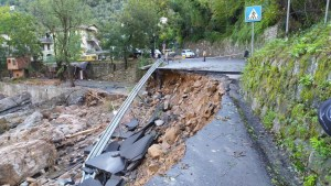 Strade disastrate nella provincia di Imperia
