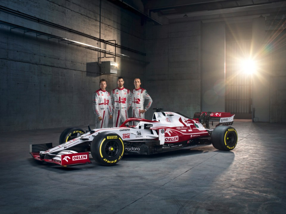 Alfa Romeo Racing ORLEN with Drivers (1)
