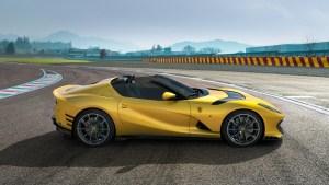 Ferrari_812_Competizione_A_1