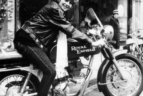Vrouwen en klassieke motoren