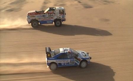 Adelantamiento DAFTurbo Twin X1 a Peugeot 405 T16. Dakar 1988. Jan de Roy y Ari Vatanen