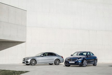 © Mercedes / C250, AMG Line, Avantgarde, Diamantsilber metallic & C 300 BlueT