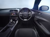 © Jaguar Land Rover / Publikumspremiere in Paris - Der neue Jaguar XE