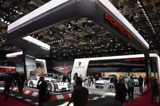 © MotorNews kw_Pariser Automobilsalon 2014 / Porsche Messestand