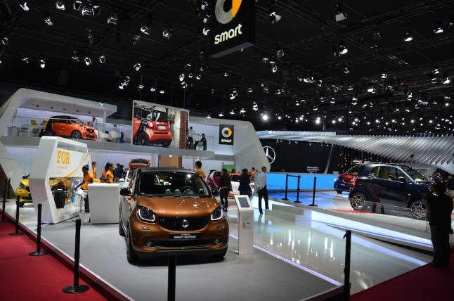© MotorNews kw_Pariser Automobilsalon 2014 / Smart Messestand