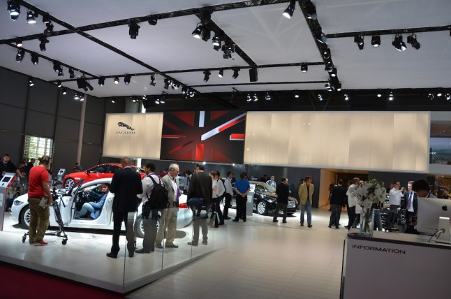 © MotorNews kw_Pariser Automobilsalon 2014 / Jaguar Messestand
